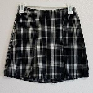 Brandy Melville plaid skirt